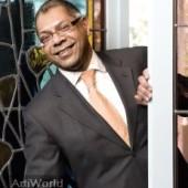 Adjiedj Bakas Spreker Gastspreker Trendwatcher Dagvoorzitter Boeken
